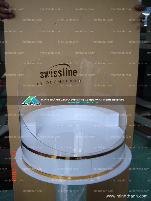 Sản xuất kệ mica trưng bày mỹ phẩm Swissline