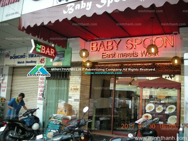LED light and Baby Spoon Bar neonsign