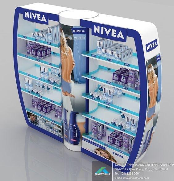 Mẫu kệ trưng bày Nivea (1)