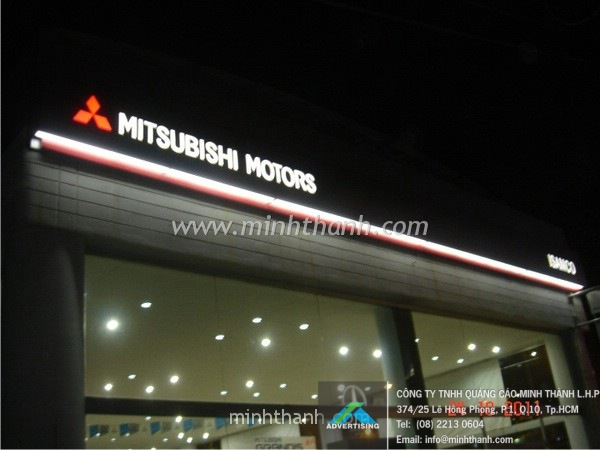 Produce Mitsubishi FUSO THD advertising signboard