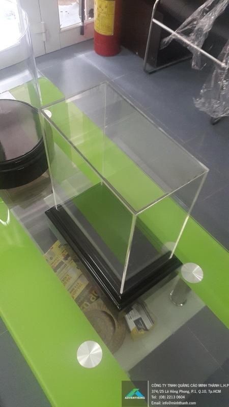 Sản xuất hộp kỷ niệm chương gỗ và mica