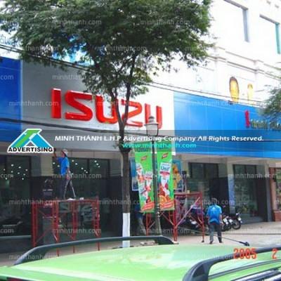 Bảng hiệu showroom nhôm và mặt dựng Isuzu