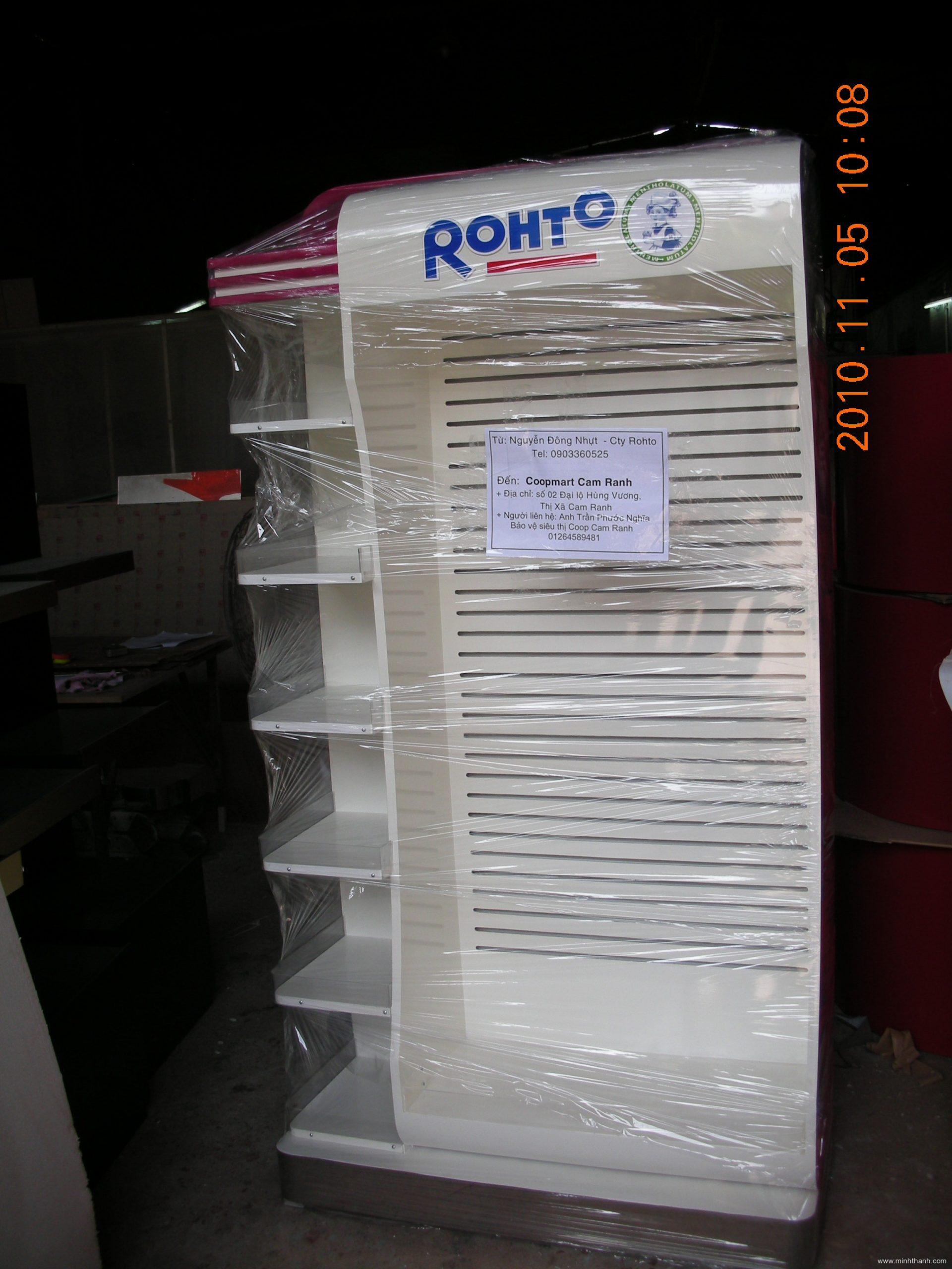 Kệ trưng bày Rohto Cam Ranh