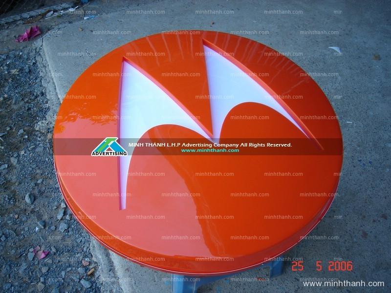 Logo Motorola mica ép nổi 3D