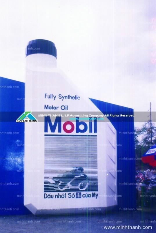 Pano / billboard quảng cáo mô hình chai nhớt Mobil