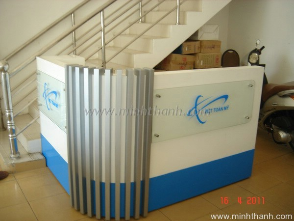 Viet Toan My reception counter and accessories selling counter