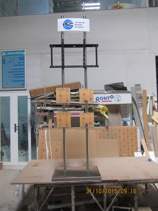 Sản xuất chân kệ inox đặt Tivi
