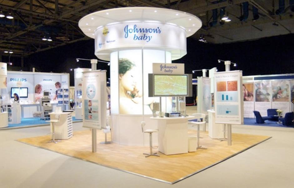 POSM trưng bày sản phẩm Johnson's Baby