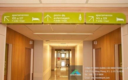 Bảng hiệu hướng dẫn tại Bệnh viện