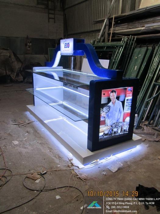 Produce Elo housewares display shelf