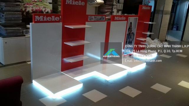 Sản xuất Bục trưng bày – Ụ Đảo cho sản phẩm nội thất RitaVõ